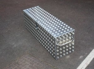 Sturdy Bespoke Storage Box for Mustang Hydraulic Manhole Cover Lifter